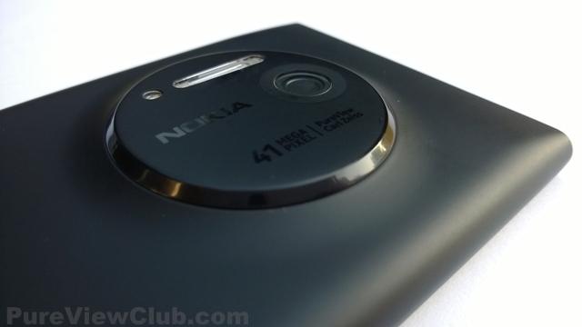 Nokia-Lumia-1020-Black-4